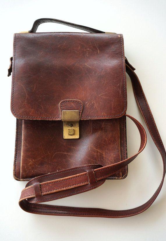 SOLD - BORSELLO UOMO vintage anni  70 stupendo vera pelle di RosaGeranio 601187d3502