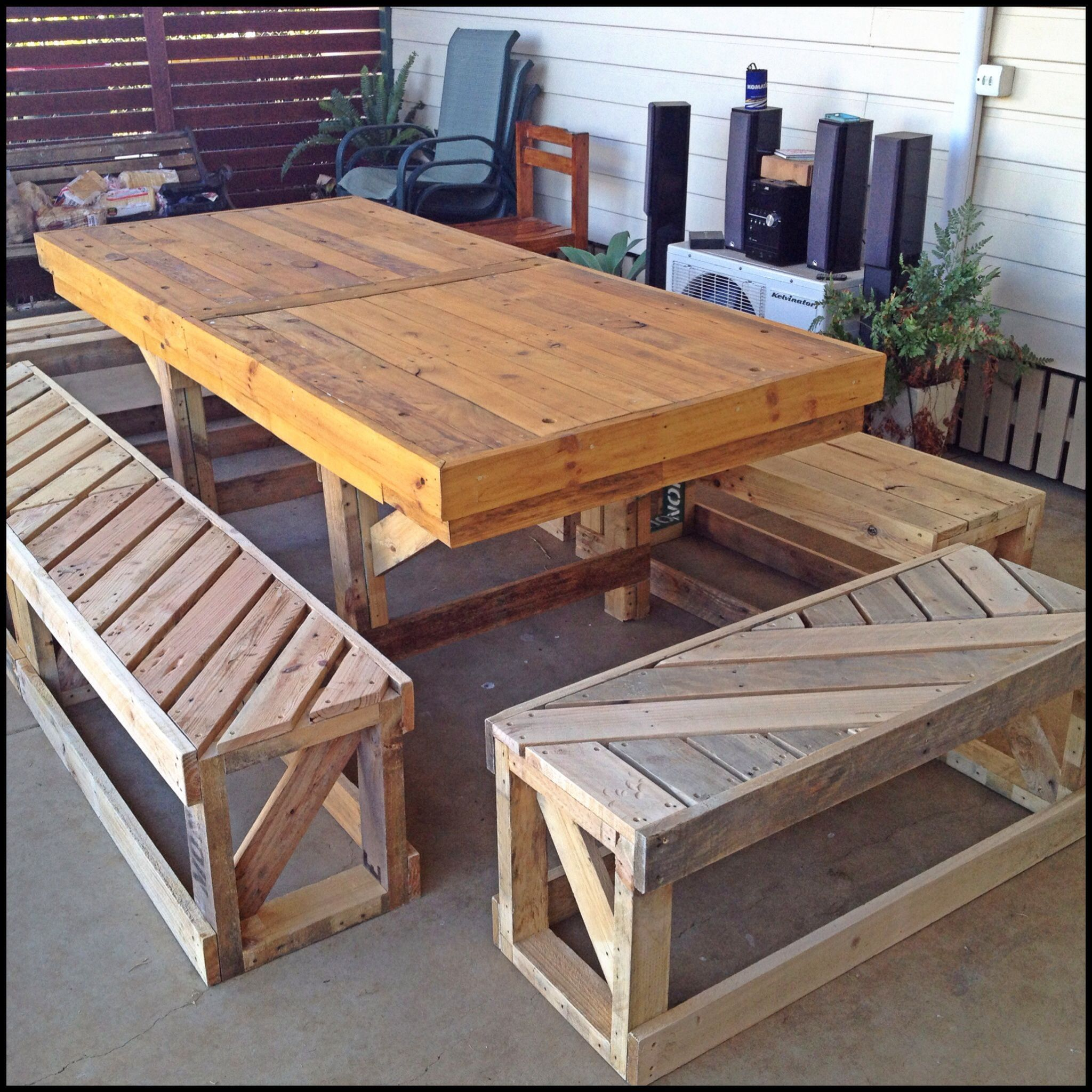 Full setting made from recycled pallets holzarbeiten - Holzpaletten gartenmobel ...