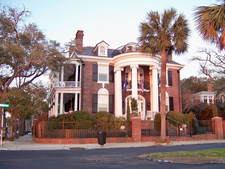 Charleston sc mansions american english circle usa for House builders in south carolina