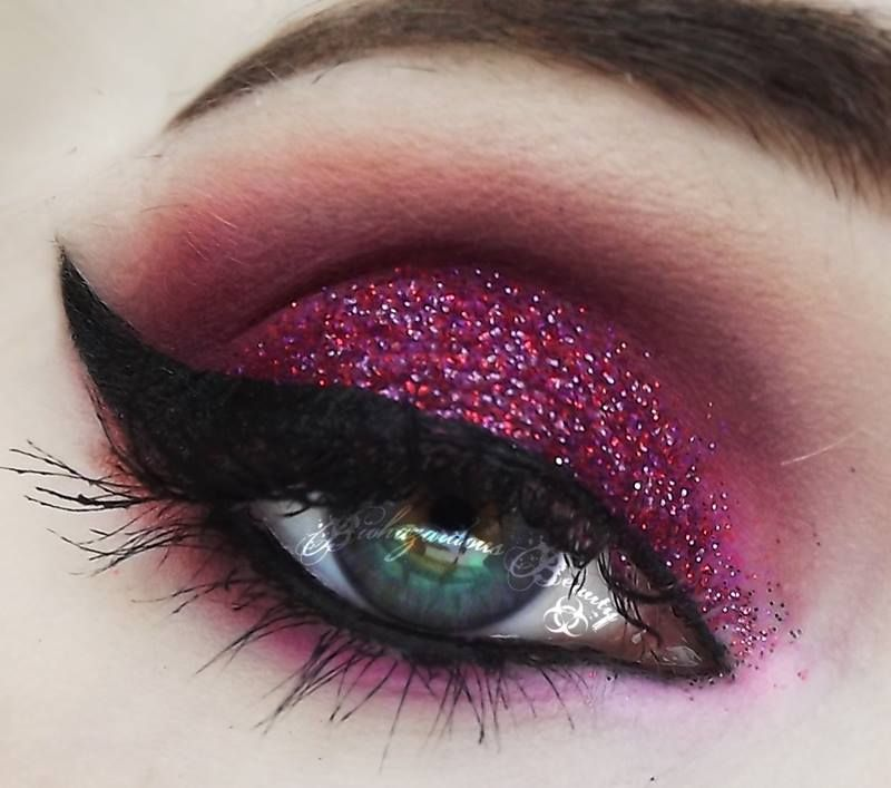 "Makeup by Biohazardous Beauty Sugarpill & Urban Decay & ""Love Missile"" glitter from Medusa´s Make-up"
