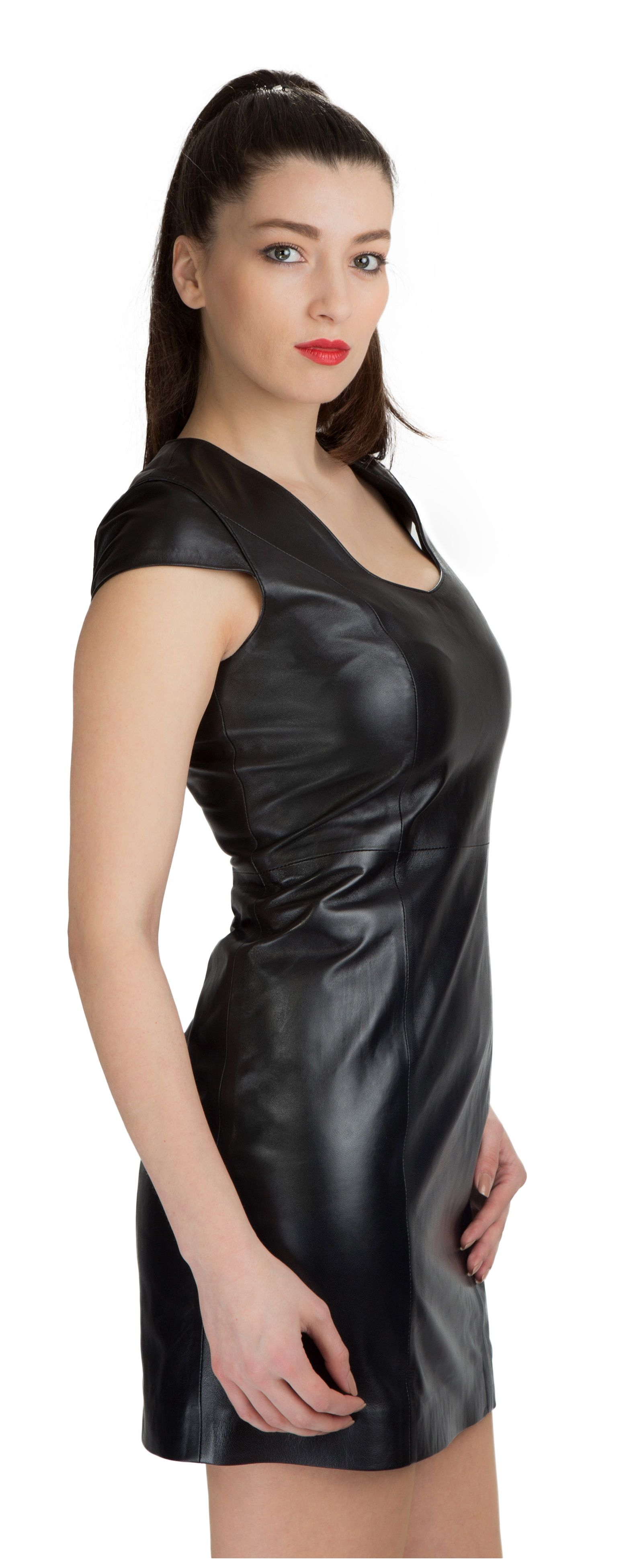 Pin von Mal Doran auf Leder-/Kunstleder-/Wetlook-Kleidung
