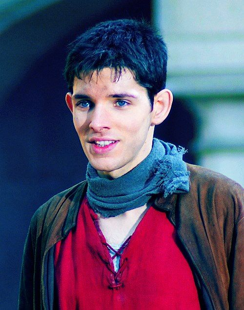 Colin Morgan as Merlin. Omg he looks truly magical right here.