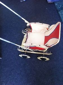 Vintage-Dolls-Pushchair