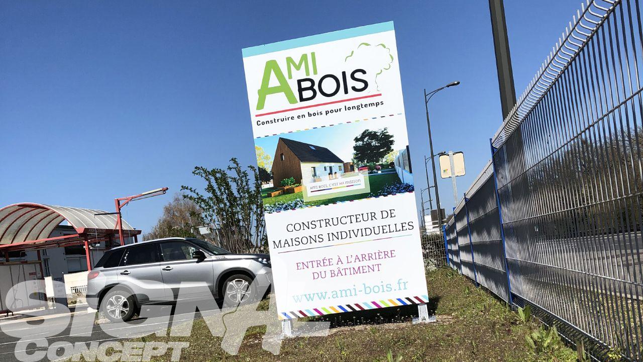 Totem Plat Pour Ami Bois Chambray Les Tours 37 Panneaux De Signalisation Routiere Panneau Signalisation Enseigne Lumineuse