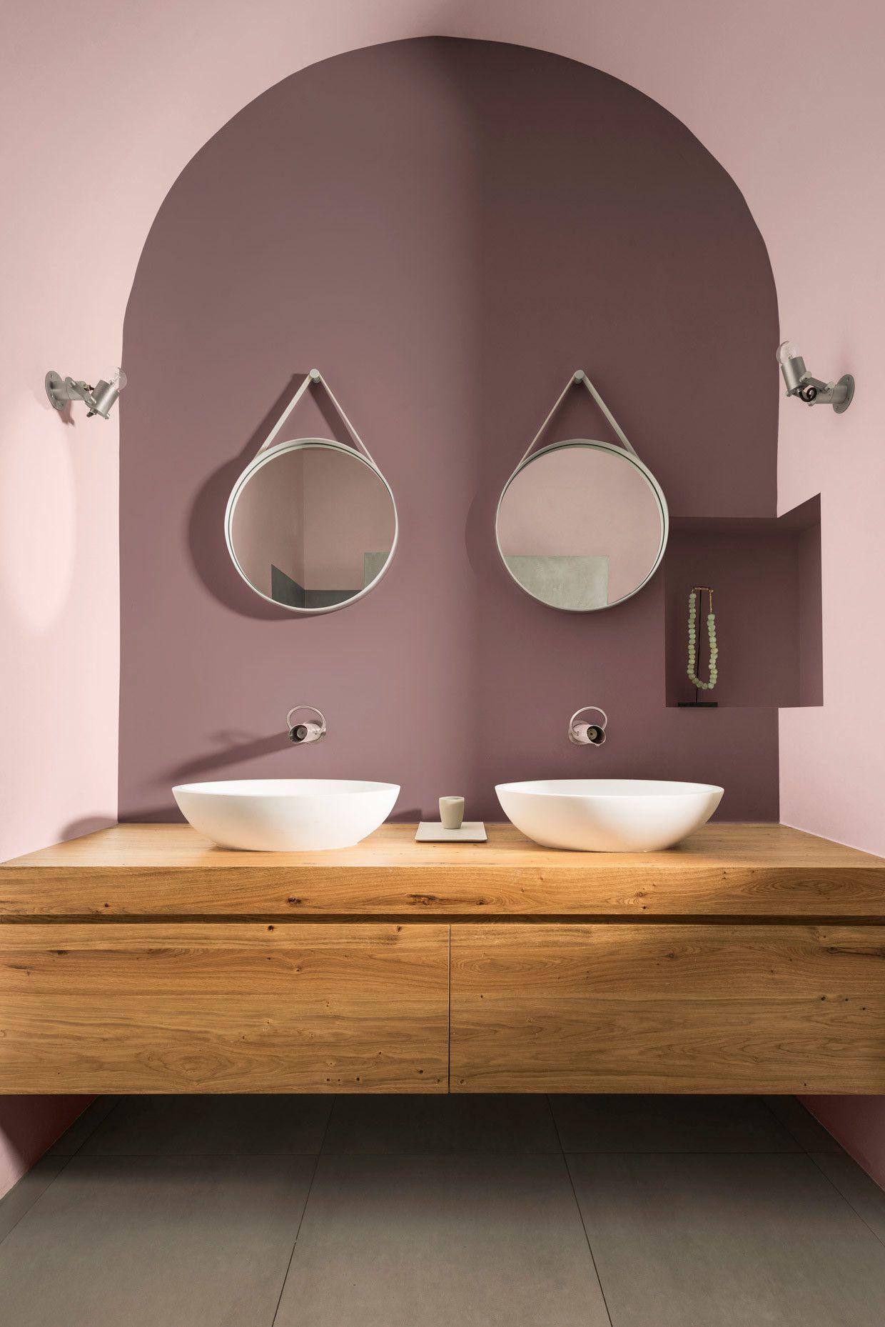 El Palo De Rosa Sera El Color Que Vestira Tus Paredes En 2 018 Segun Bruguer With Images Bathroom Interior Bathroom Interior Design Wood Bathroom Vanity