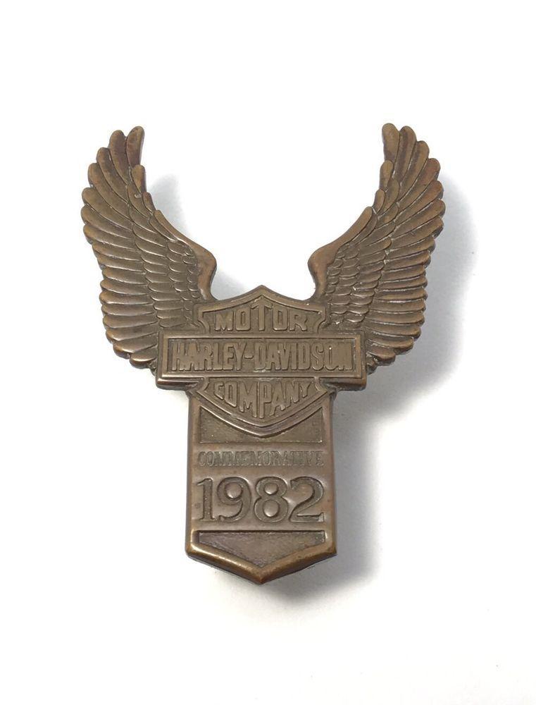 d80745e27 1982 Harley Davidson Commemorative Badge Motorcycle Front Fender Emblem HD