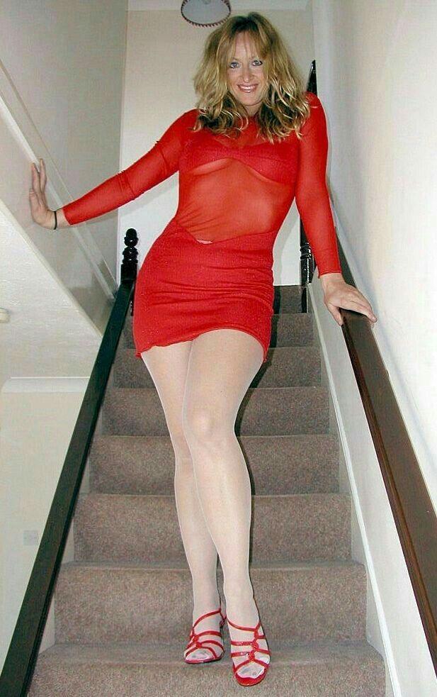 #LegShowJo #nylon #gilf #milf #sexylegs #legs #pantyhose #