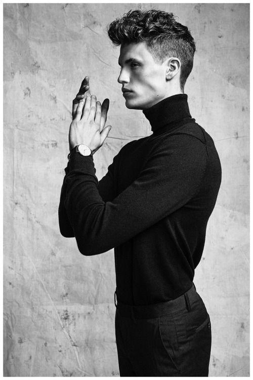 Men turtle neck shopping online | Menswear versatile clothes | Mensfashion daily free style advice | Man inspiration fashion outfits