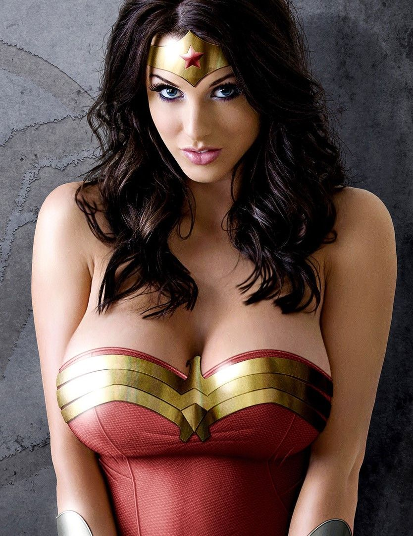 Alice Goodwin My Favorite Cosplay In 2019 Wonder Woman Cosplay