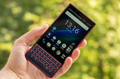 مواصفات و مميزات هاتف بلاك بيري Blackberry Key2 Le Blackberry Phone Blackberry Phone