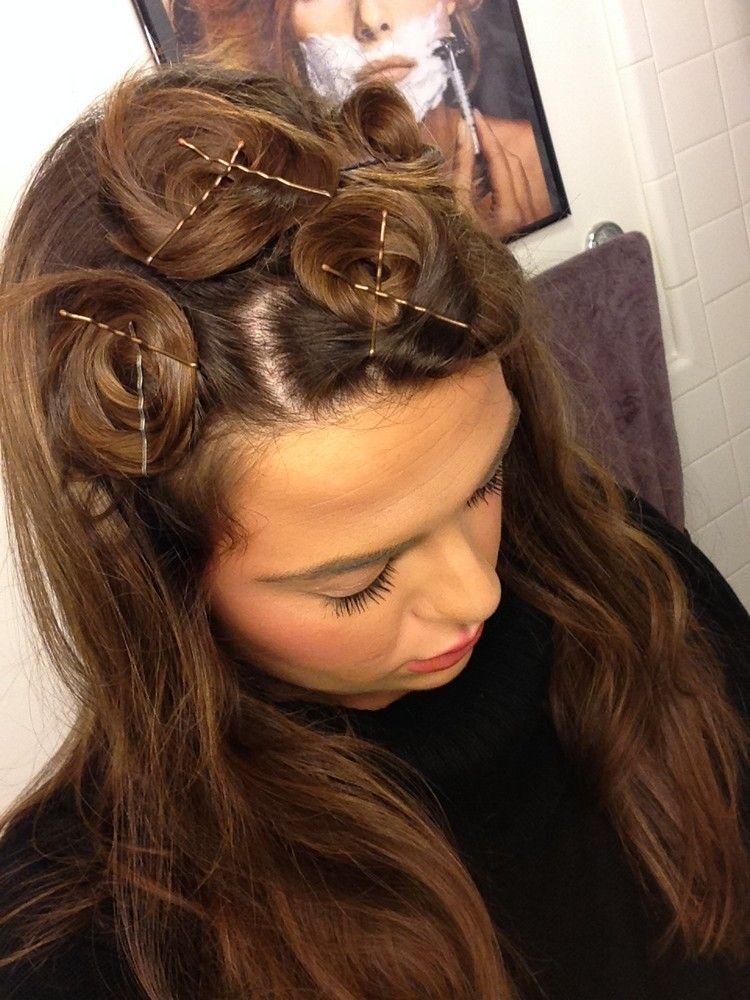Locken Ohne Lockenstab Kleine Haarknoten Zwirbeln Haarklemmen Frisur Lange Haare Locken Locken Machen Locken Ohne Hitze