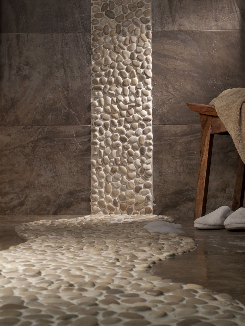 Admirable This Zen Bathroom With The River Rocks Is Amazing Shower Interior Design Ideas Gentotryabchikinfo