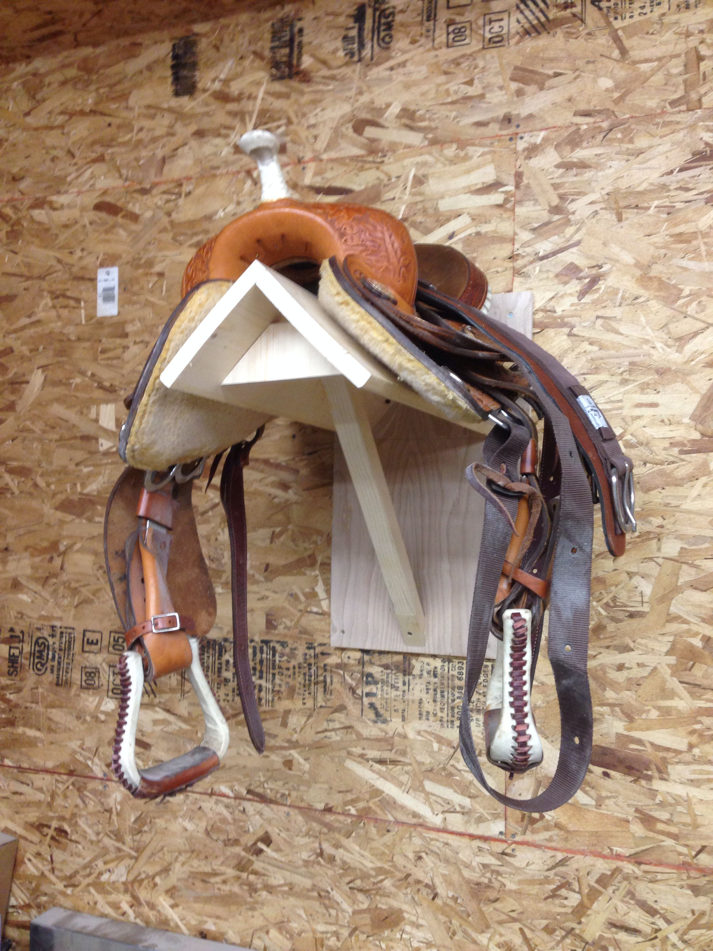 Wood Saddle Rack Mount Woodworking Ideas And Projects