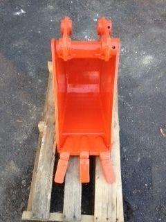 Kubota Backhoe 12 inch Bucket L35 L48 Pin on Lightly Used