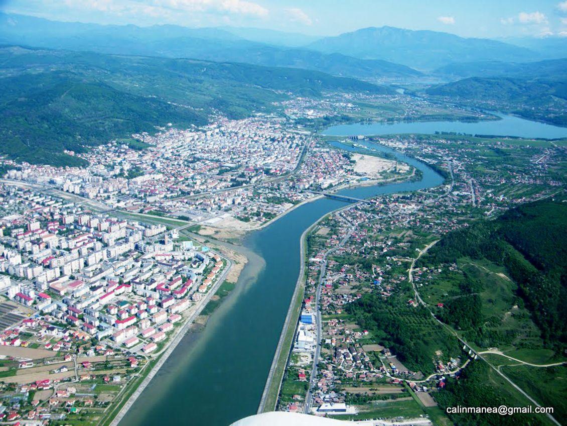Râmnicu Vâlcea city, România - aerial view centered on the Olt River