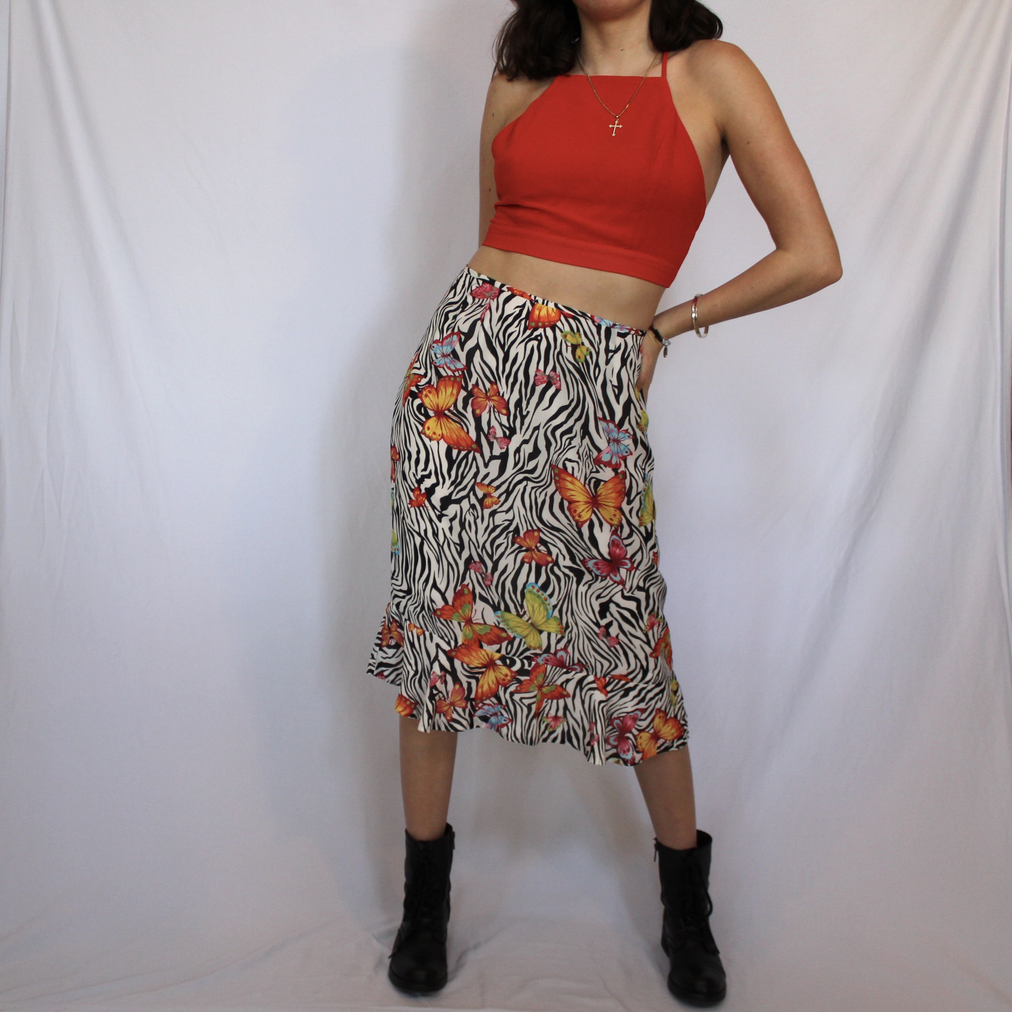 Y2k Skirt Of Your Dreams In 2020 Model Outfits Butterfly Skirt Depop