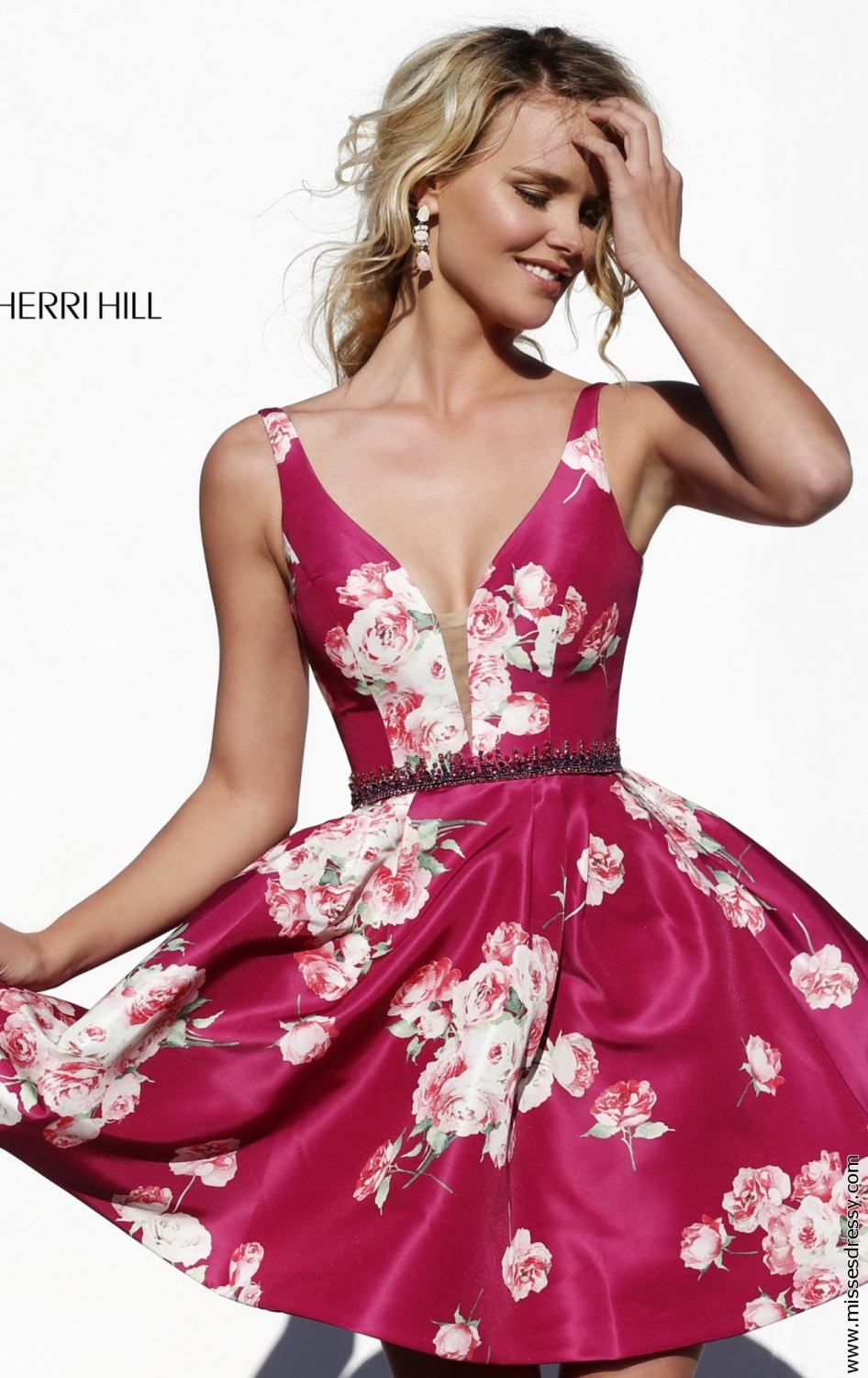 Feel the charm in you in Sherri Hill 32321. This cocktail dress ...