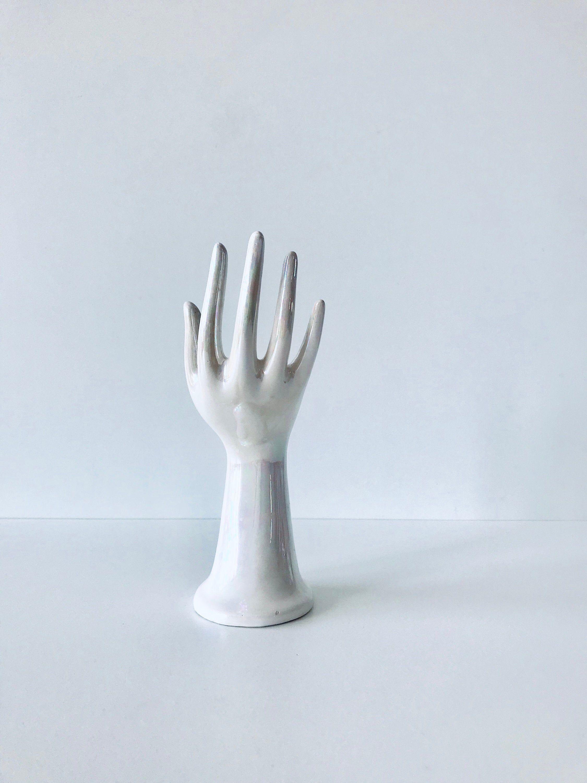 main blanche porte bijoux en ceramique