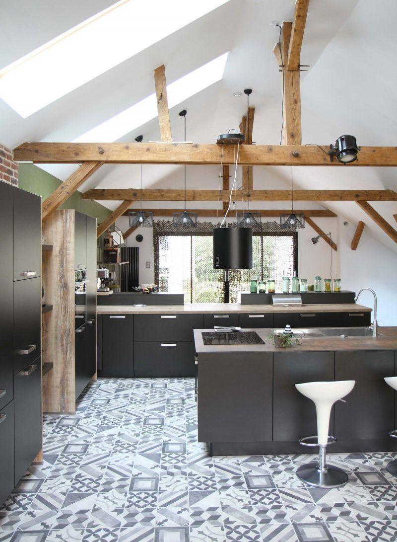 cuisine ixina dans un loft au mans carreaux de ciment. Black Bedroom Furniture Sets. Home Design Ideas