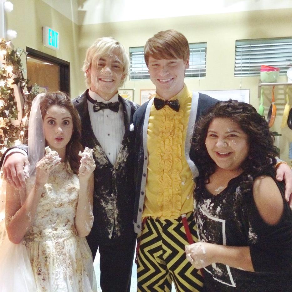 Wacky Birds And Wedding Bells Austin And Ally Celebrities Disney Channel Stars