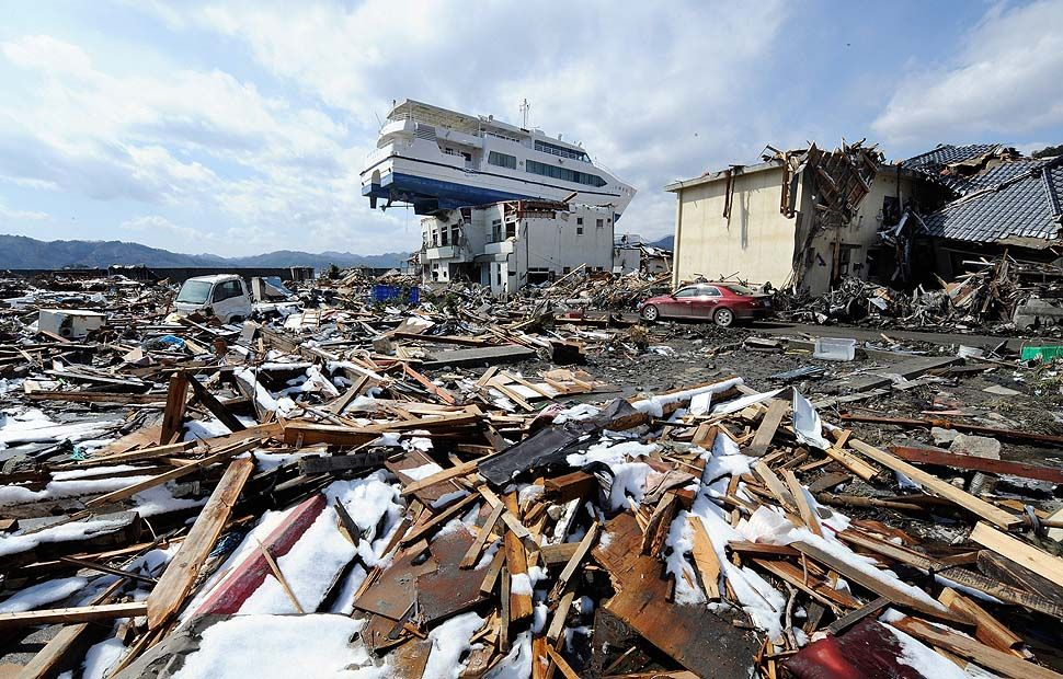 earthquake tsunami disaster death destruction wreckage ruins   earthquake tsunami disaster death destruction wreckage ruins element devastation jpg 2000×1319 schredder