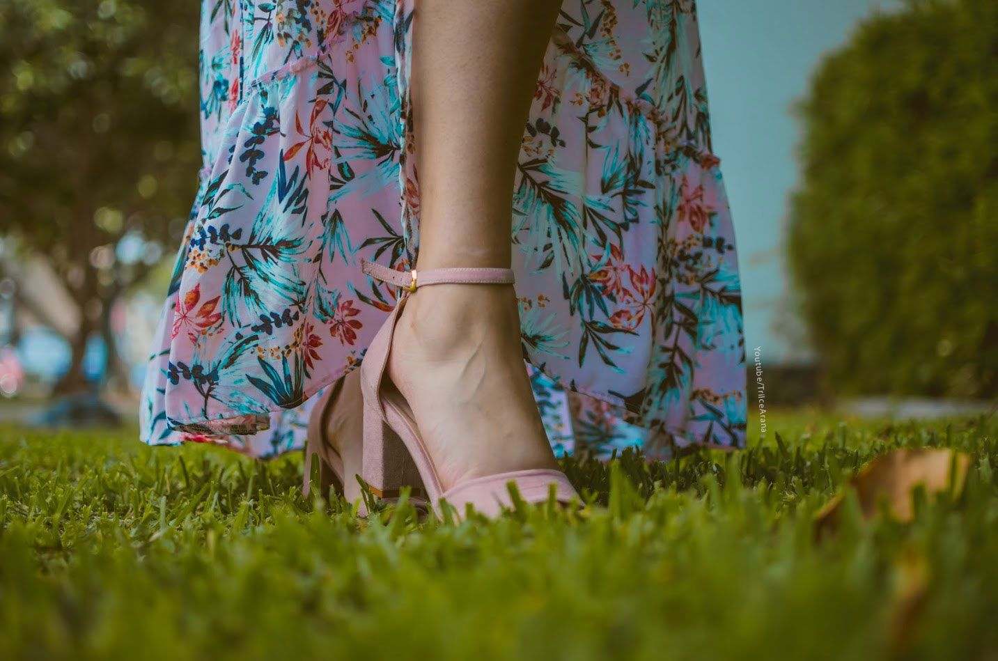 Shoes for pink dress  Pink shoes zapatos rosados pink look pink outfit floral dress