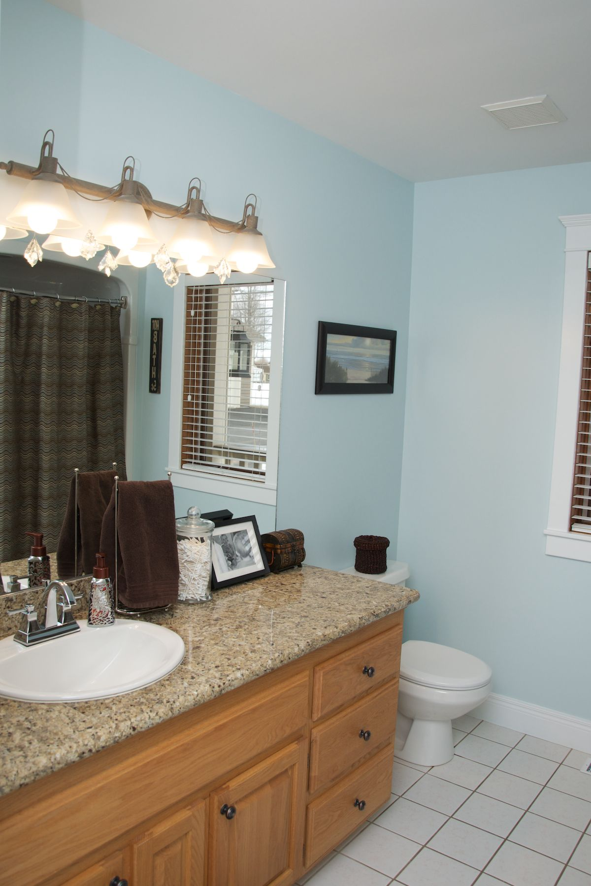 Benjamin moore palladian blue bathroom - Benjamin Moore Ocean Air I Had To Find A Color To Work With My Existing
