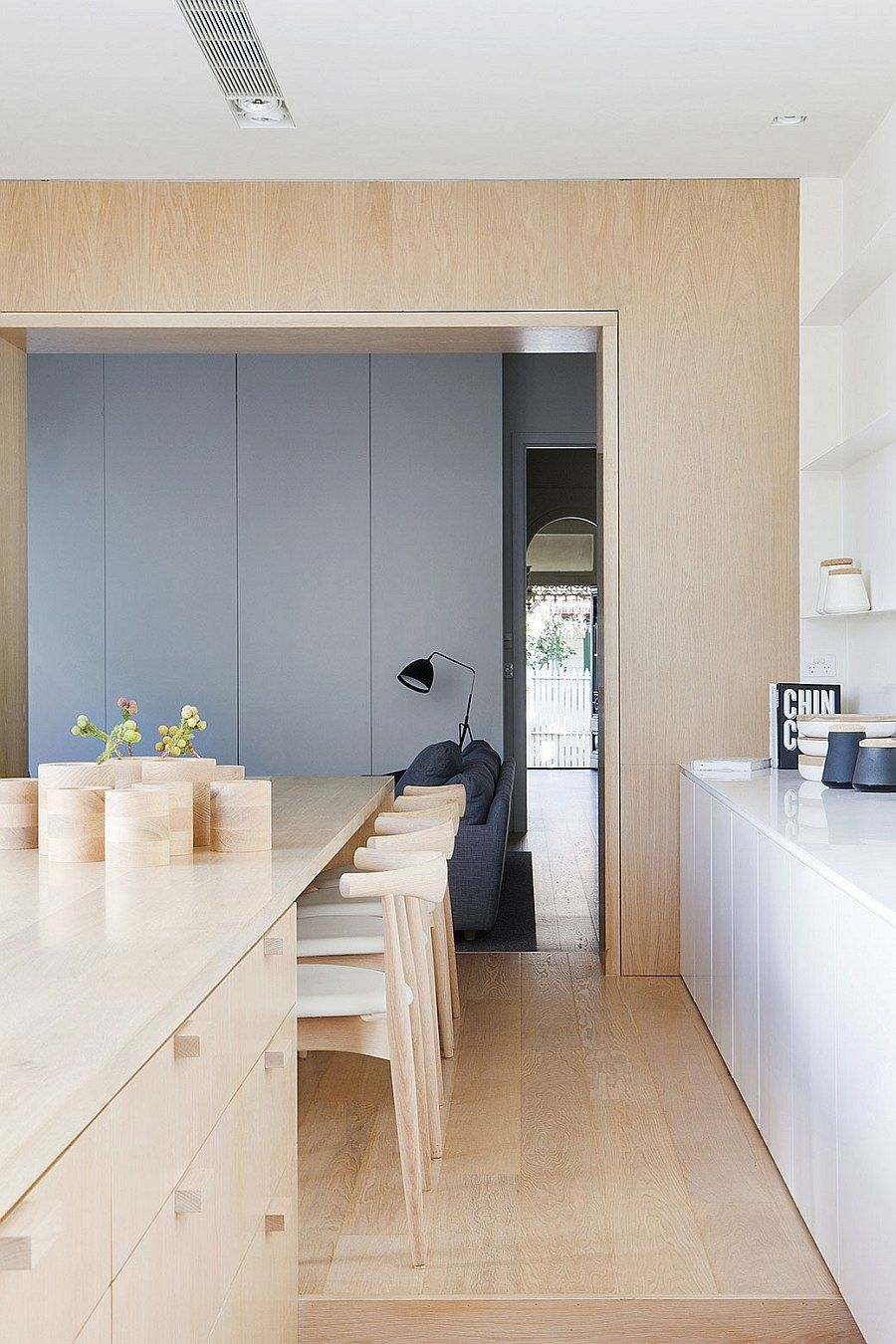 Victorian House Makeover Turns It Into Modern Beauty | Schlafzimmer ...