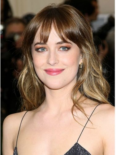 medium haircuts pictures dakota johnson s hair color and formula hair color 5755