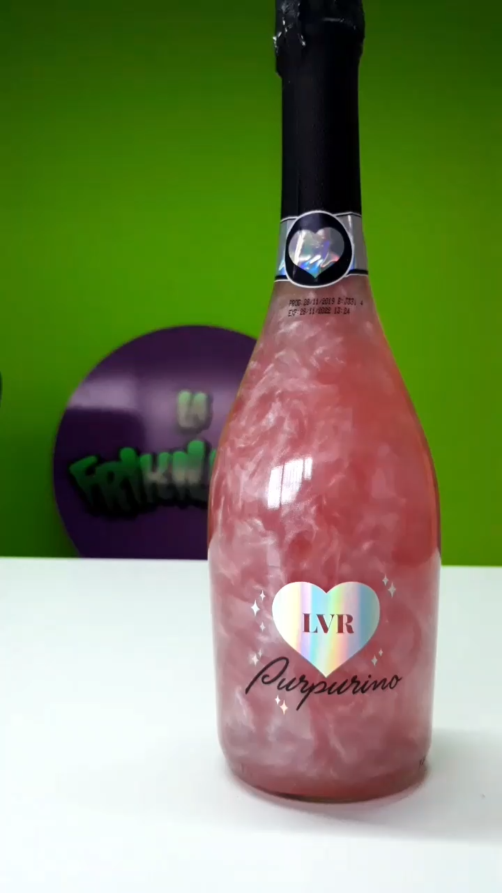 Vino Purpurino De La Vecina Rubia Video Uvas Vodka Vino