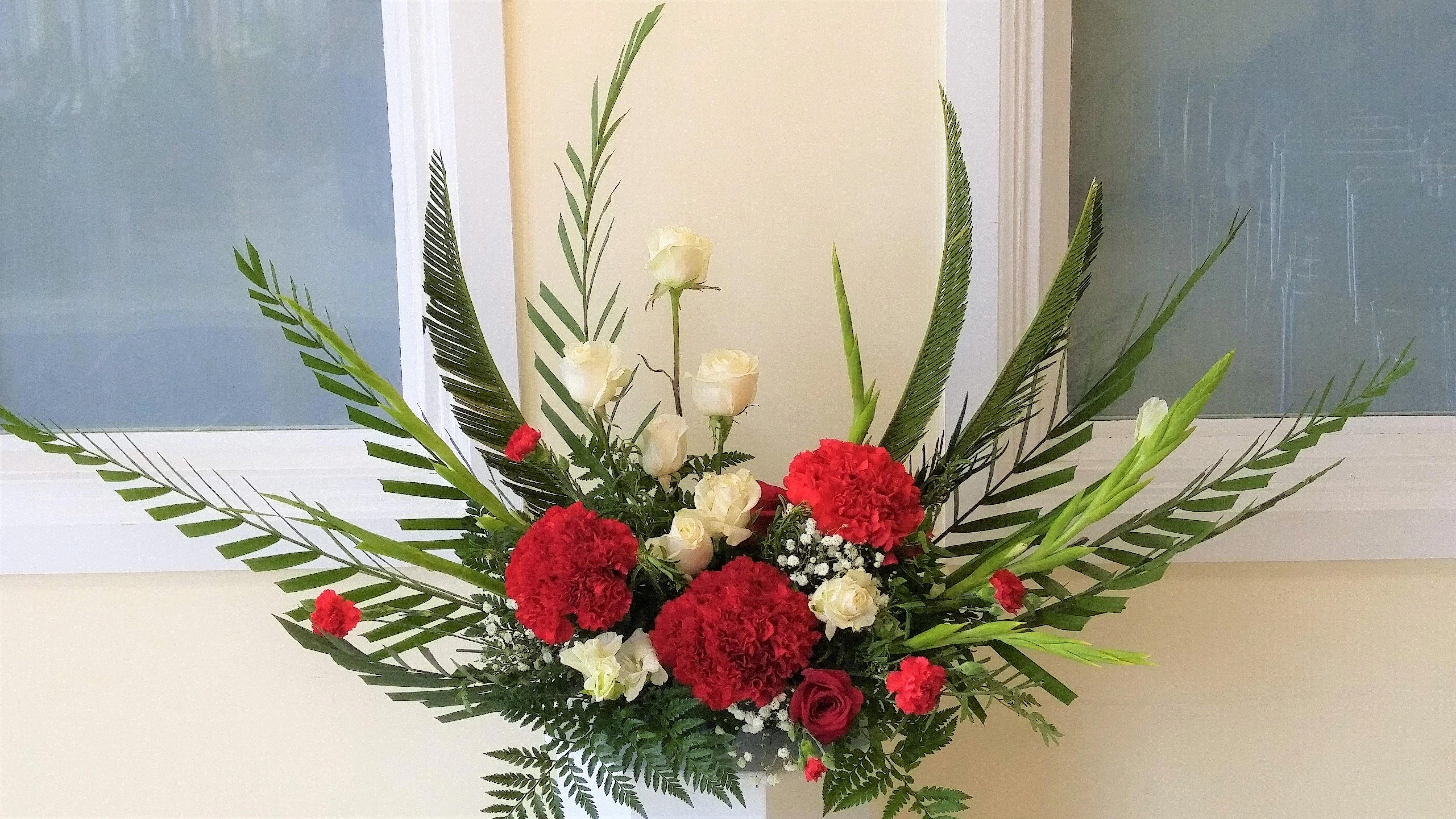 Church Altar Flower Arrangement Tropical Flower Arrangements Flower Arrangements Diy Ikebana Flower Arrangement