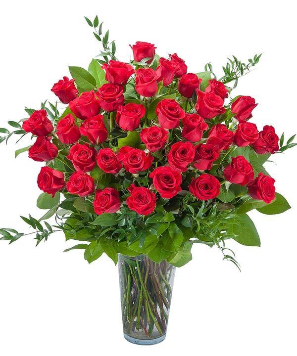 Room Full Of Roses Flower Delivery Anniversary Flowers Rose Flower Arrangements