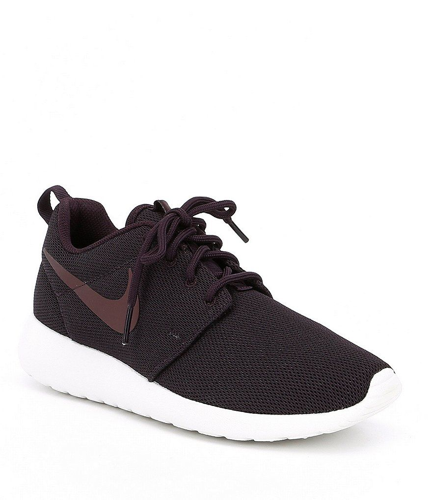 white nike roshe run with black ticking