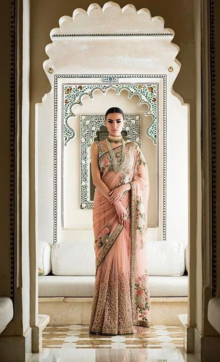 d4ab00ed193b4 Pin by Dil Di Gal Couture (Instagram) on Saree
