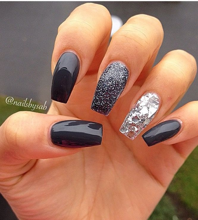 Image by Kimberly Manlusoc on Nail design | Black nails ...