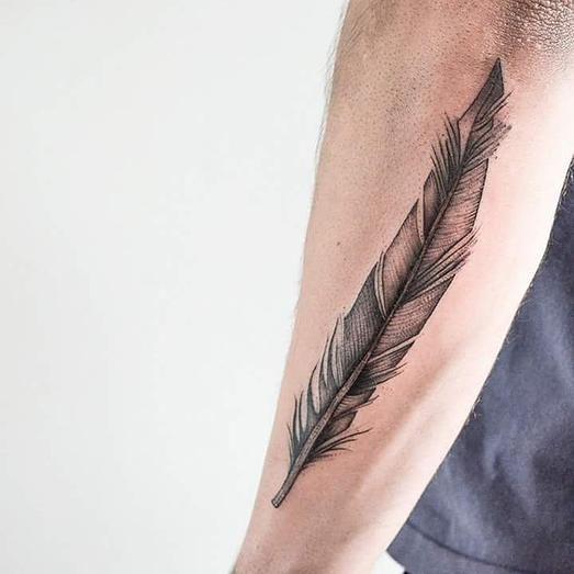 #pena #carinacaie #flashtattoo #tatuagem #tattoo #tatuagemriodejaneiro #tatuagemsãopaulo