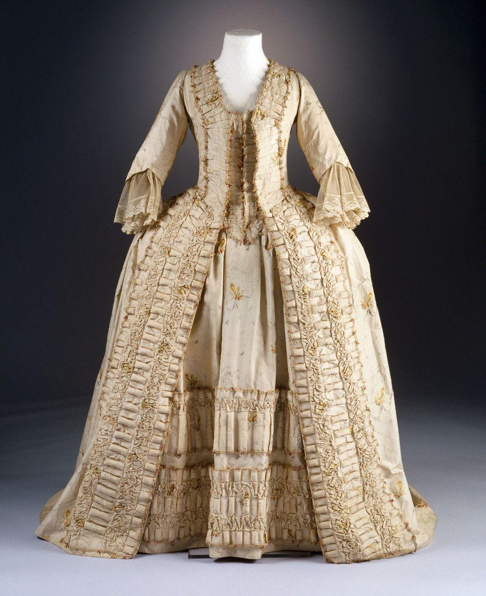 Robe A La Francaise Ca 1780 From The Museum Fur Angewandte Kunst Koln Via Kulturelles Erbe Koln With Images 18th Century Dress 18th Century Fashion Dress History