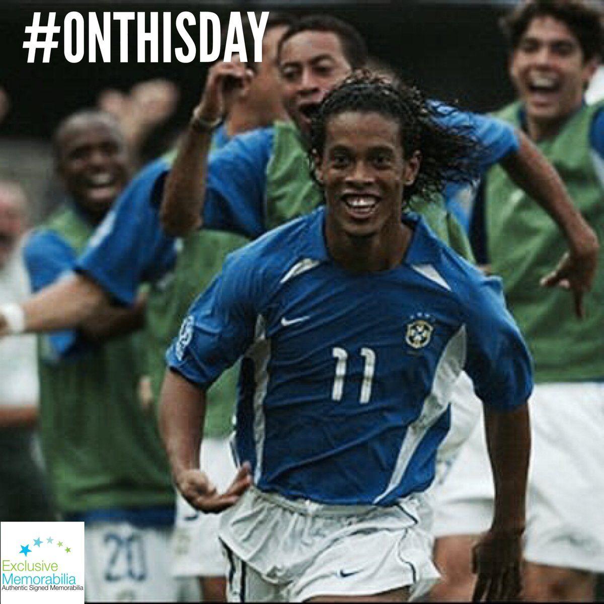 ExclusiveMemorabilia (ExclusiveMem) Ronaldinho jersey