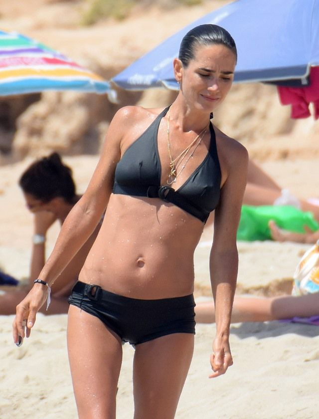 Jennifer connelly in bikini