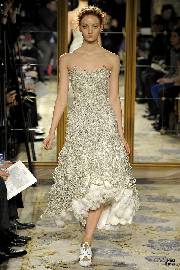 Seriously. This is so beautiful. Marchesa 2012/2013