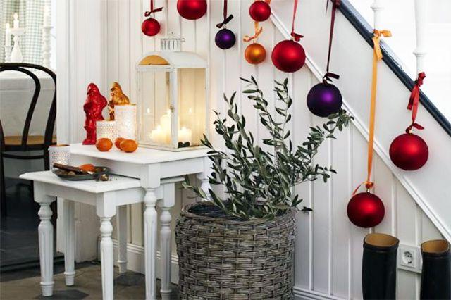 D coration de noel pour rampe d 39 escalier recherche google no l brico deco pinterest - Decoration escalier noel ...