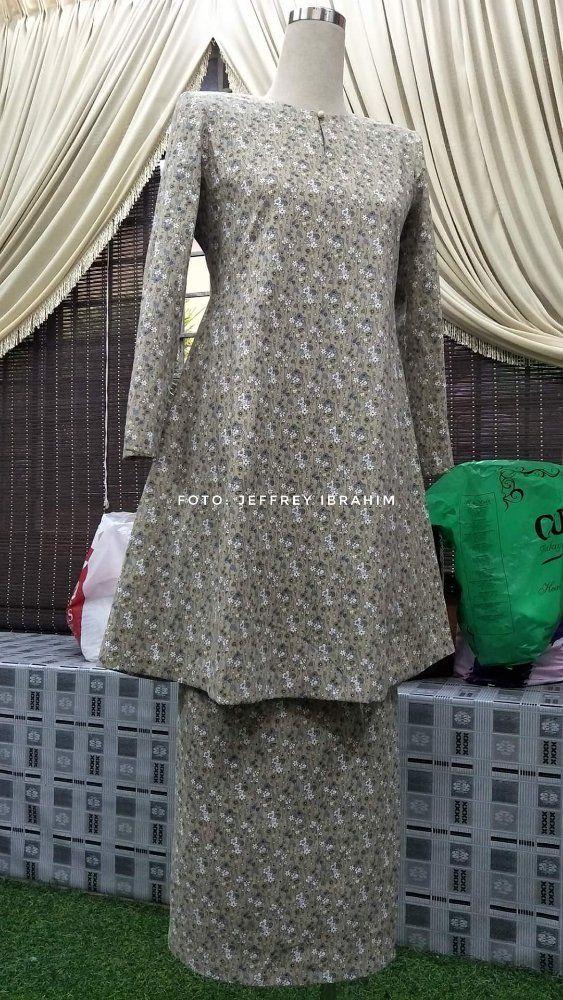 Baju Kurung Riau tangan moden.