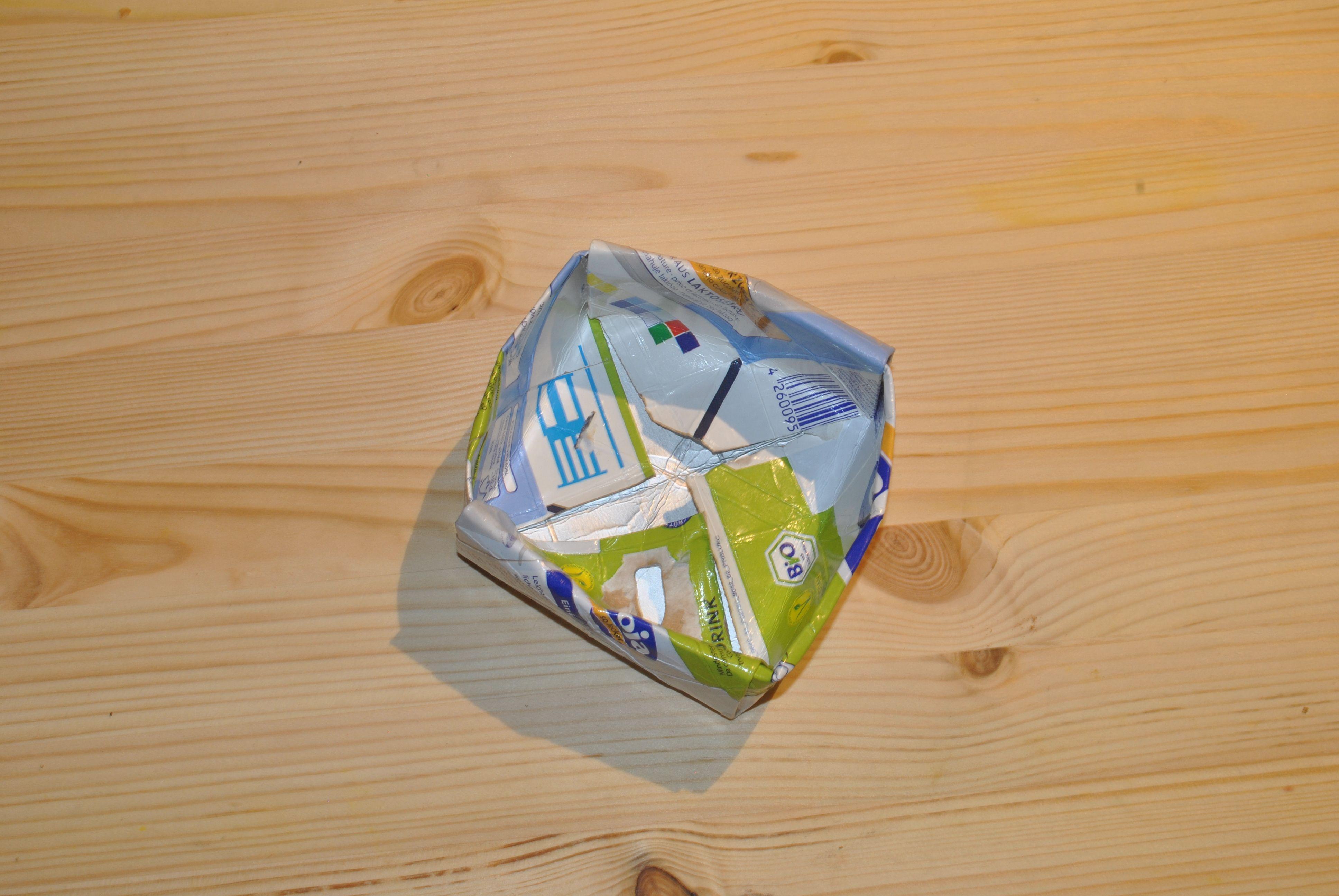 Kuhmilch lässt sich zum Glück meist in Flaschen kaufen, bei pflanzlicher Milch ist das leider (noch) nicht möglich. Was also machen mit dem übrig gebliebenen Karton? Eine Möglichkeit ist natürlich,…
