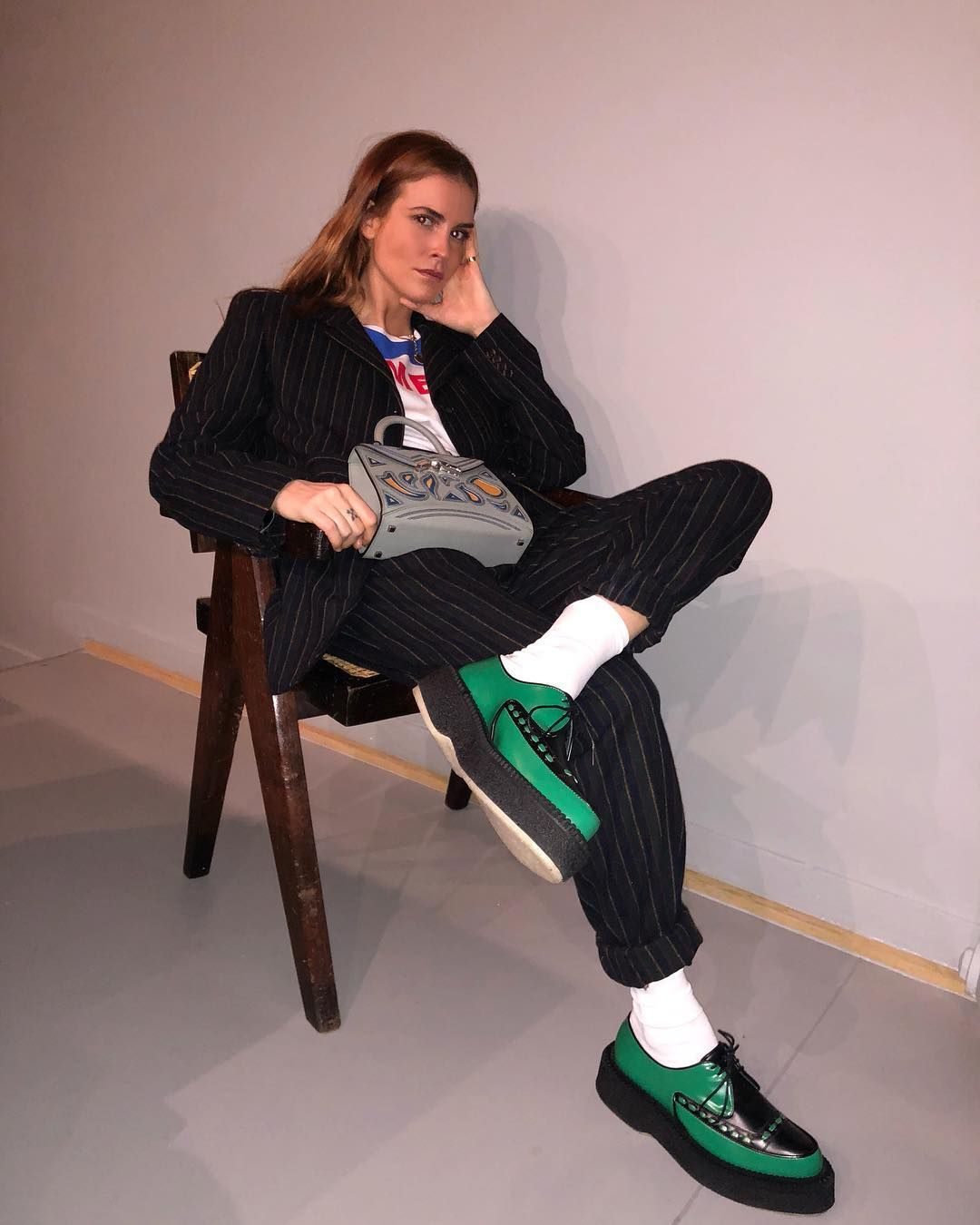 "auditoría Hierbas corte largo  Blanca Miró Scrimieri on Instagram: ""THE chair #pierrejeanneret 🛋  yesterday at @jw_anderson x @converse dinner"" | Street style, Jw anderson,  Style"