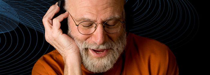 No te pierdas la entrevista completa al Neurólogo Oliver Sacks sobre Musicoterapia (Castellano)