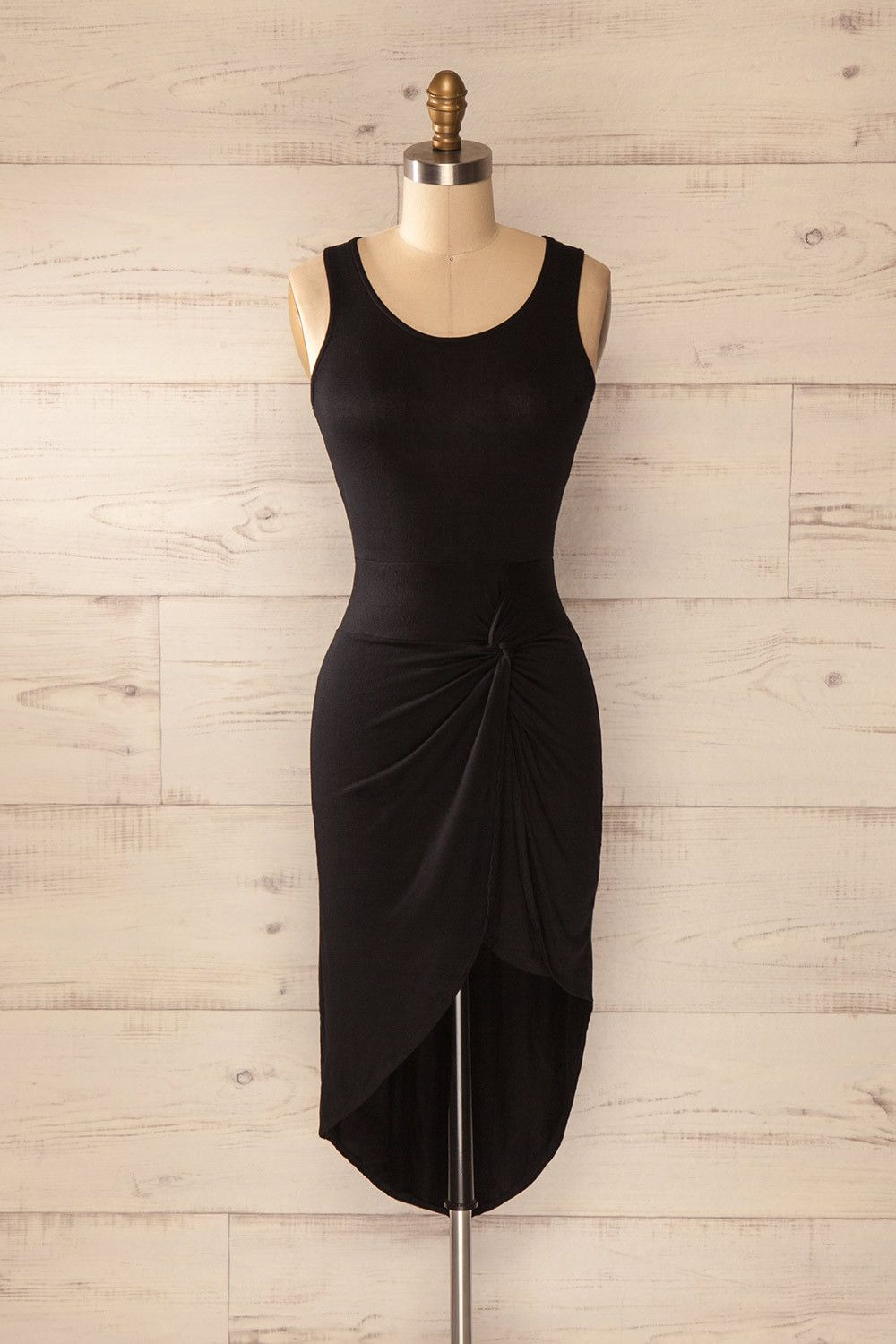 Lariano - Black sleeveless asymmetrical dress with a knot