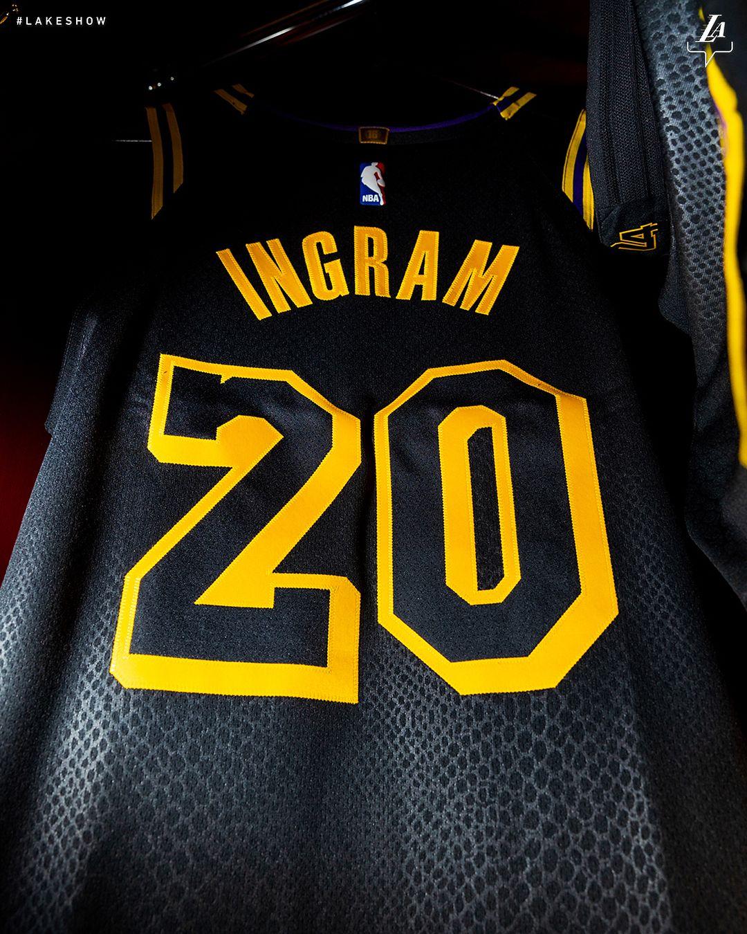 8b0d9e7ef Andre Ingram   20 on the court