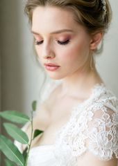 Photo of Go Behind the Scenes of This Classic-Meets-Modern Bridal Inspo Shoot  Elegant we…