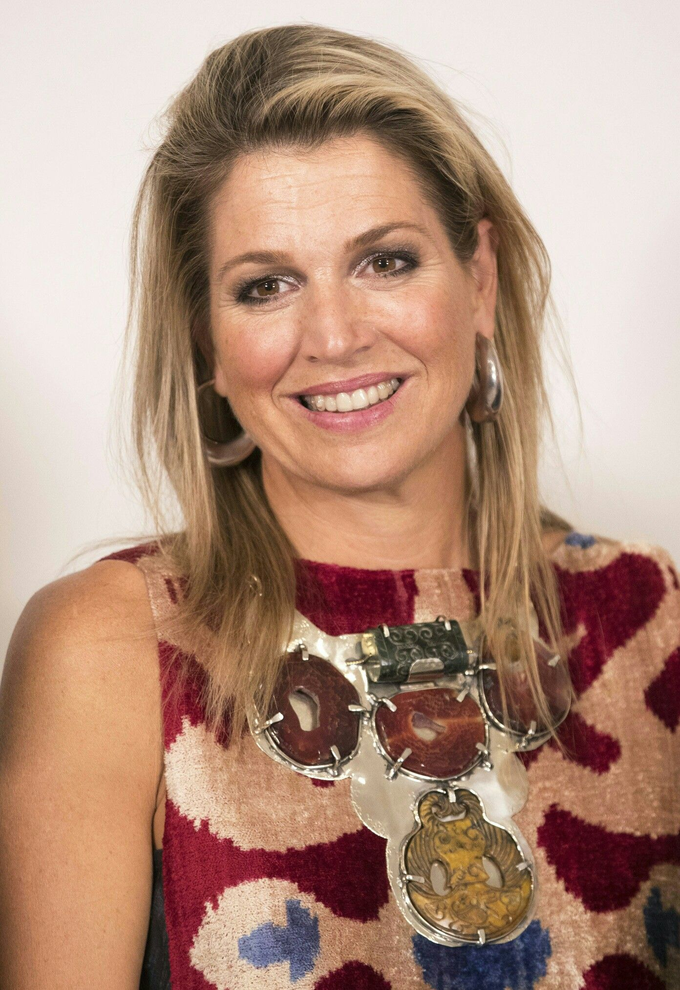Pin by greetje lubbersen on maxima pinterest queen maxima