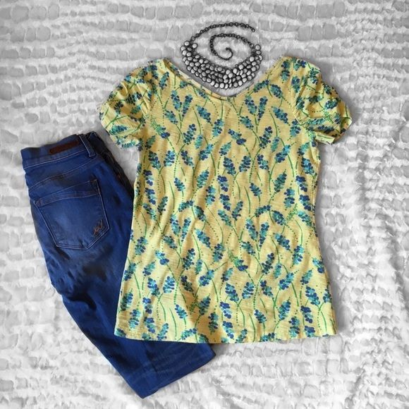 Lilly Pulitzer yellow and blue flower tee Yellow and blue pattern v neck front and back tee! Super adorable Lilly Pulitzer Tops